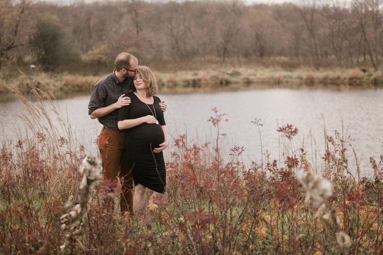 outdoor fall maternity photos in minneapolis mn2