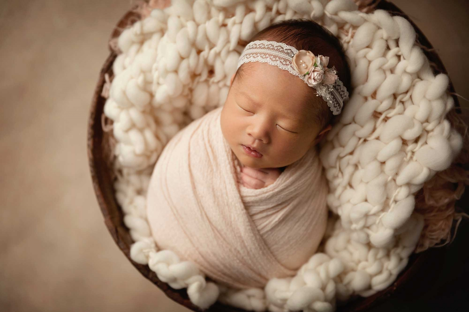 newborn-photographer-in-minneapolis-mn