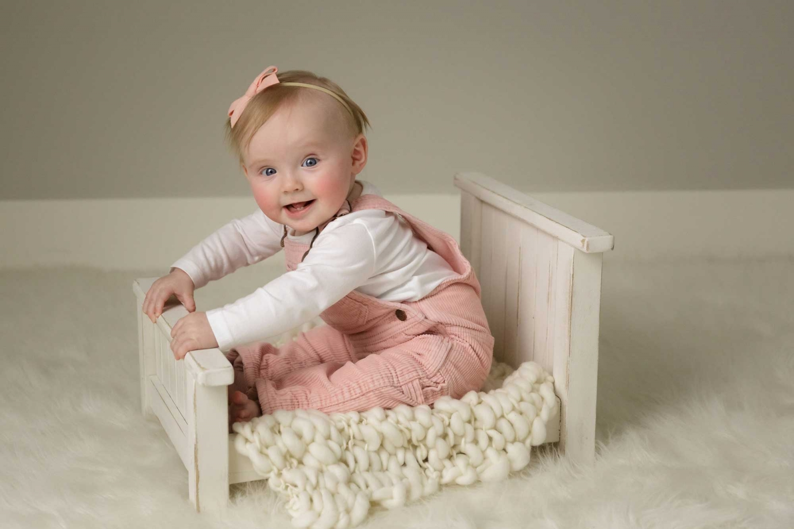 6-month-baby-milestone-studio-photos-in-minneapolis-mn